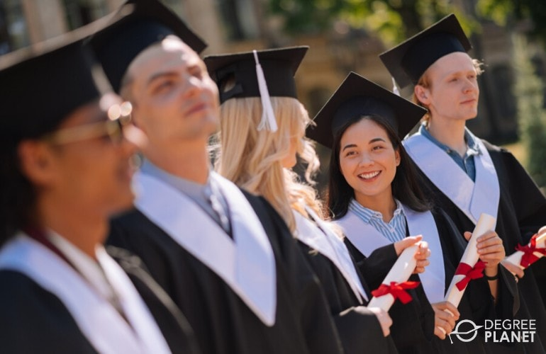 Difference Between Undergraduate and Graduate Education