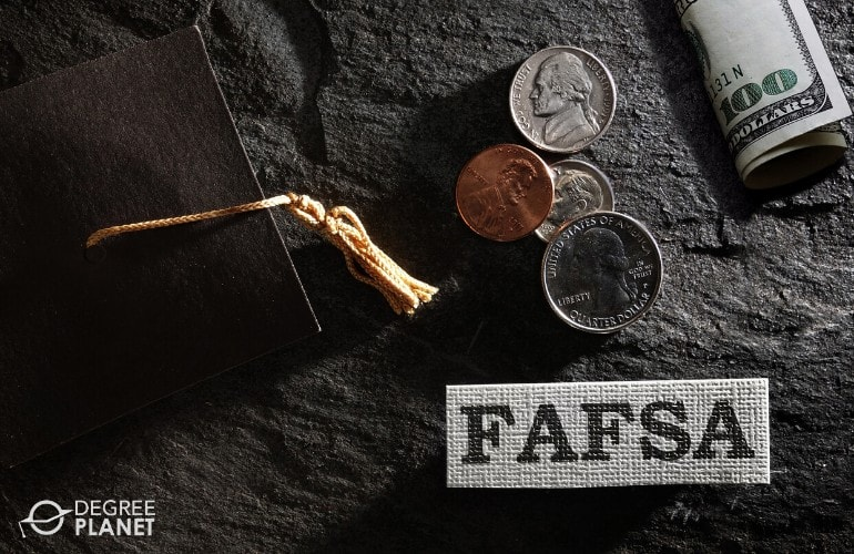 Financial Aid for HR Masters Programs Online