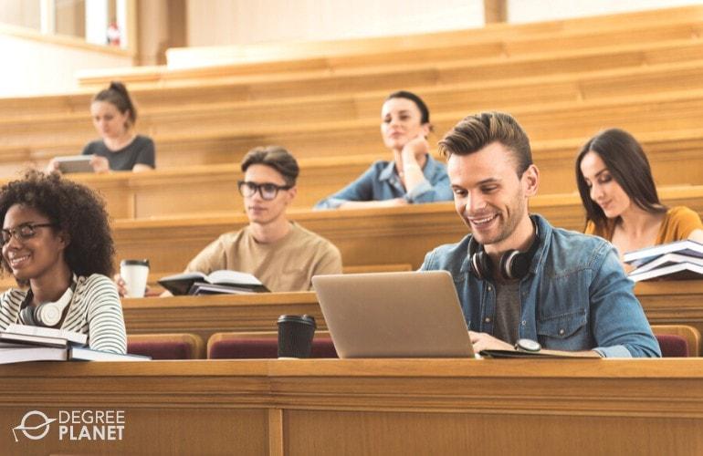 Graduate vs Undergraduate Programs