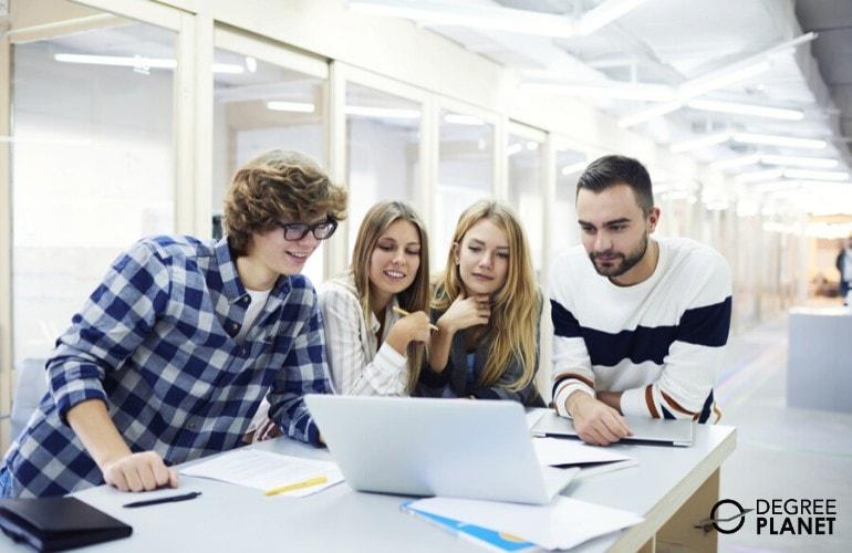undergraduate students studying together