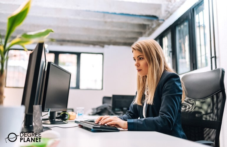 25 Best Online Cyber Security Degree Programs [2021 Guide]