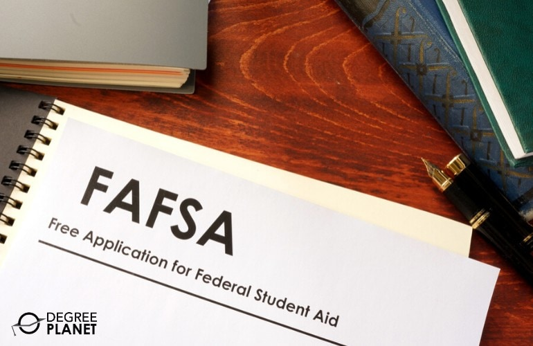 financial aid for Online Bachelor's Degree students