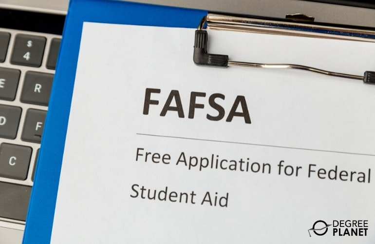 Financial aid for web design degree students