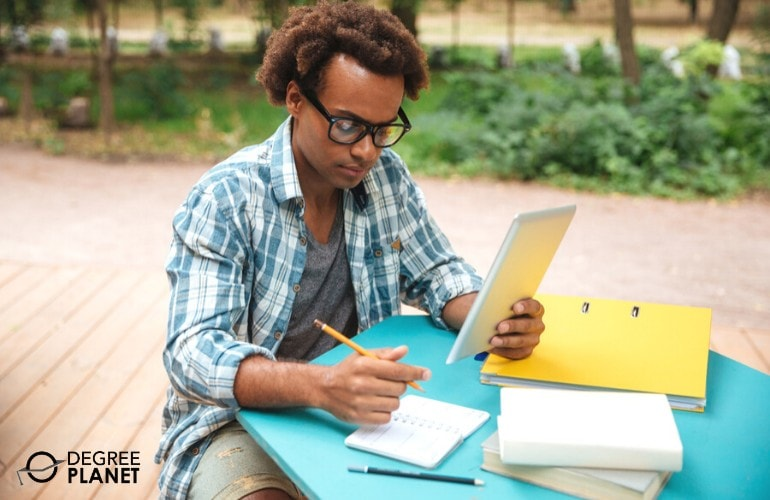 healthcare administration student studying online