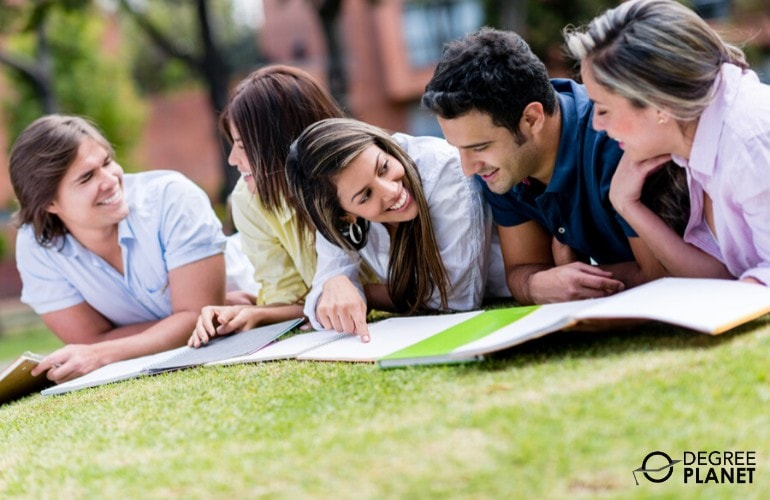 college students studying in campus