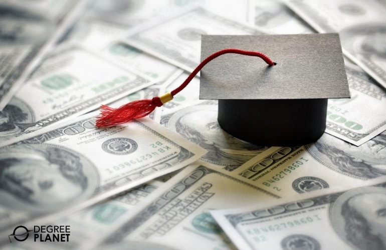 financial aid for master's in real estate students