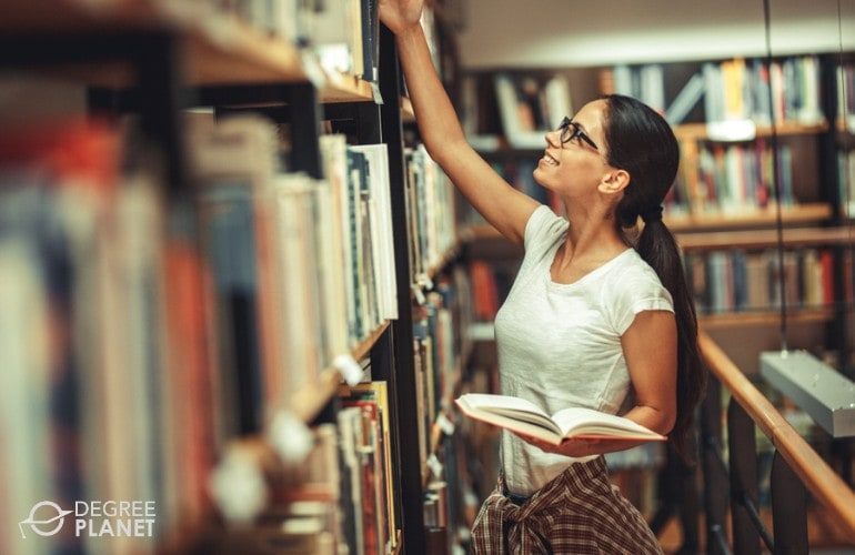 college student in university library