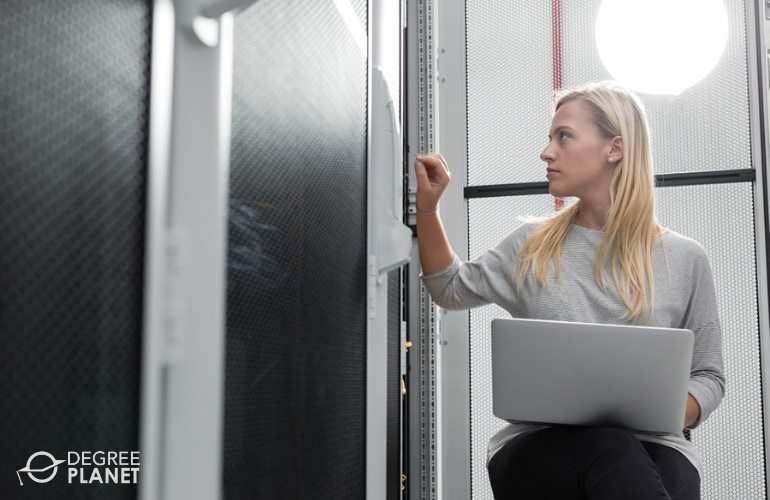 Database Administrator working in the data center
