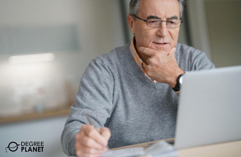 senior student attending an online class