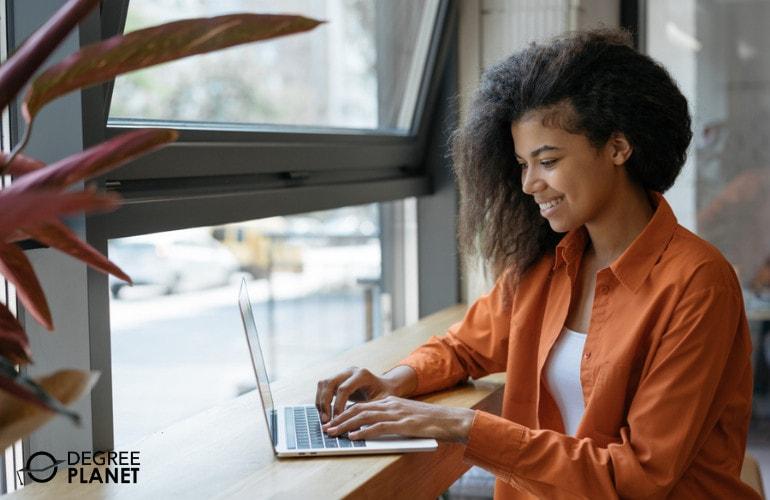 Psychology Degree student studying online