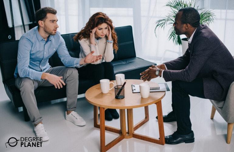 psychologist with patients
