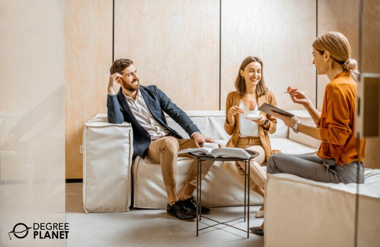 Mental Health Counselor with couple