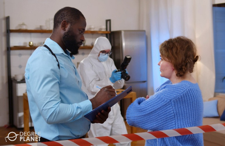 Forensic Scientist Degrees
