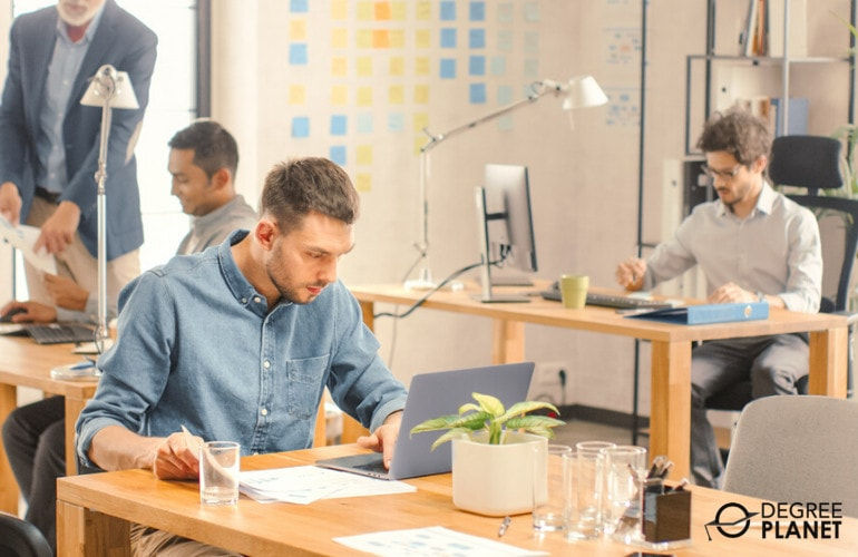 Online Bachelor's in Finance