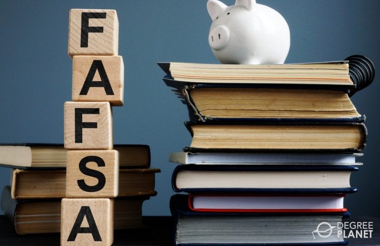 Social Science degree financial aid