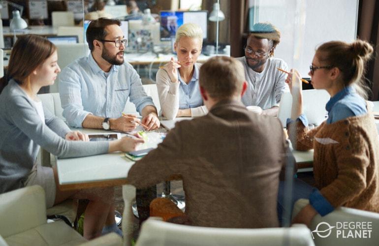 Bachelors in Marketing Degrees