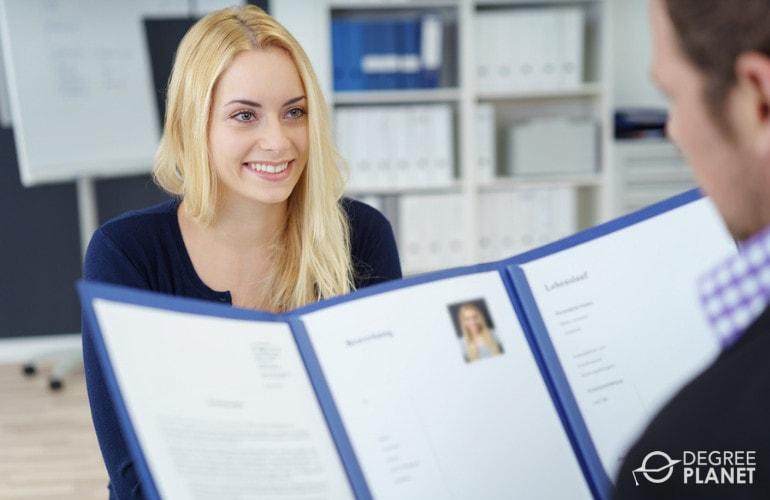 Start Applying for Jobs before Graduation