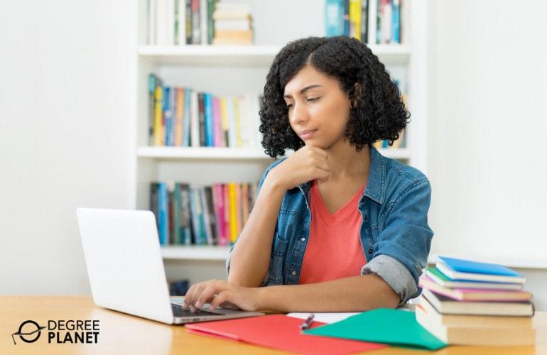 Choose a College Payment Plan Program