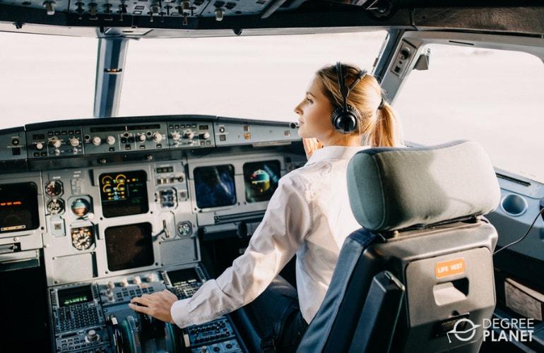 degree in pilot salary
